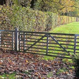 Châtaignier: Portes de prairies en châtaignier Saint-Nicolas