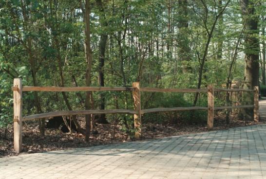 Post & Rail fencing in kastanje