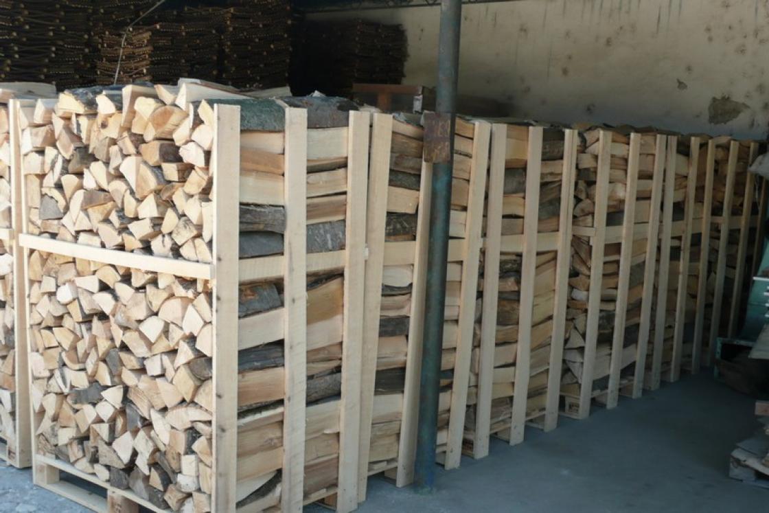 Als je maar weinig brandhout nodig hebt, kan je kiezen voor kleine zakjes.