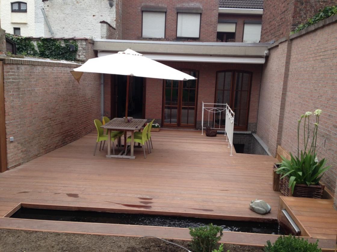 Als je kiest voor houten terrasplanken, wil je gaan voor deze specifieke look.