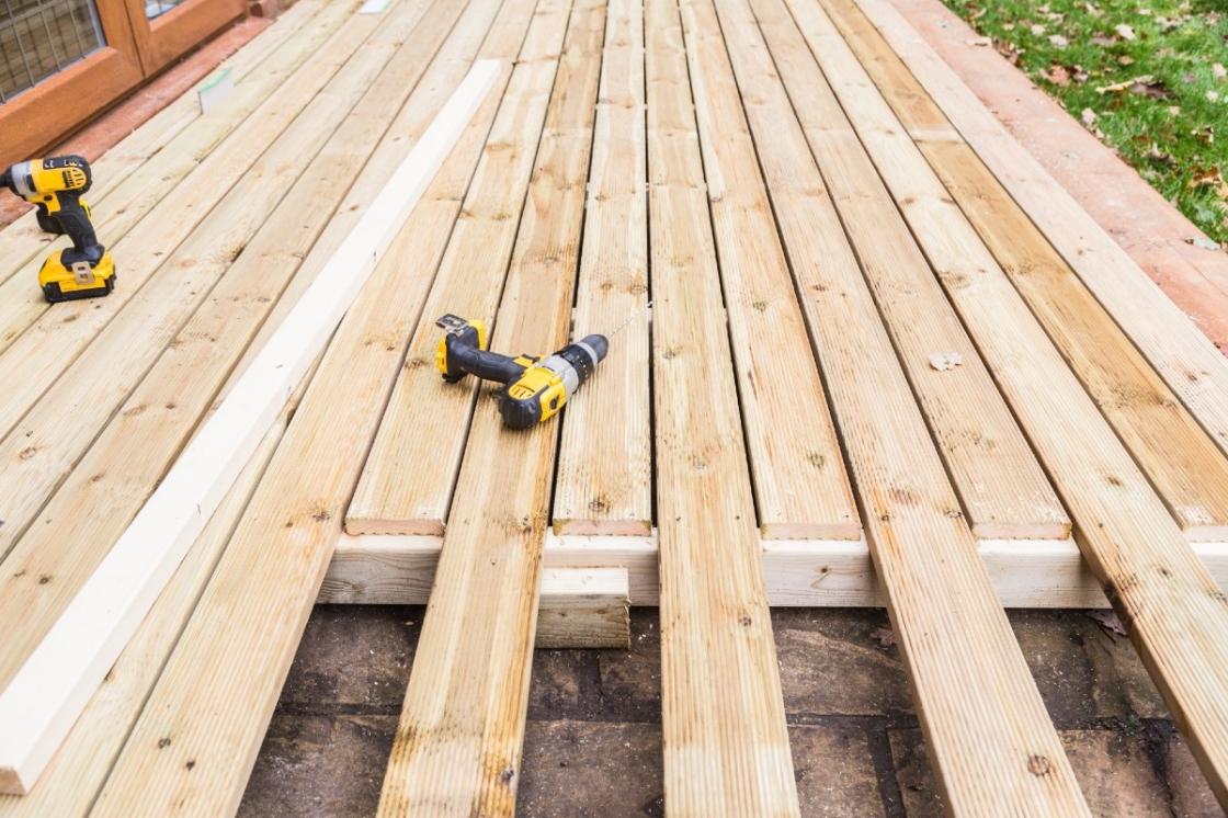Goed nieuws: terrashout vraagt weinig onderhoud.