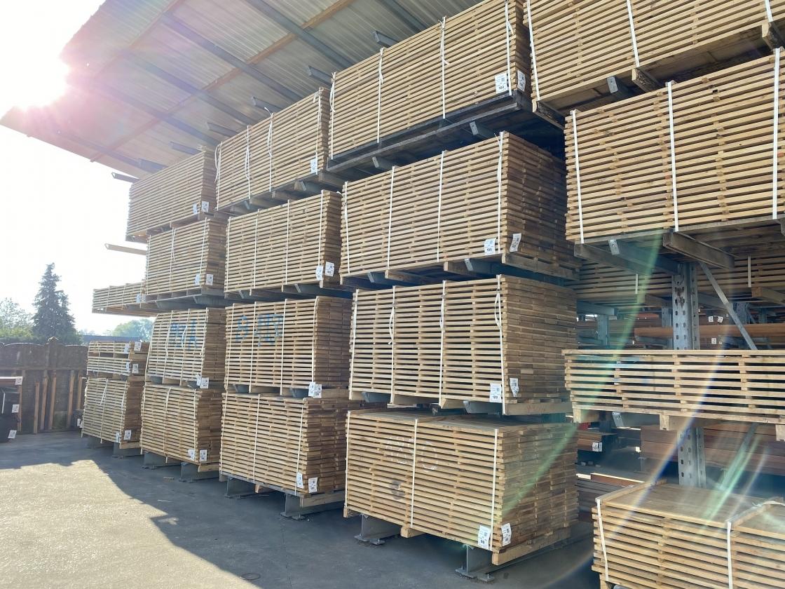 Bij Jadimex zit je goed voor eikenhout in diverse vormen.