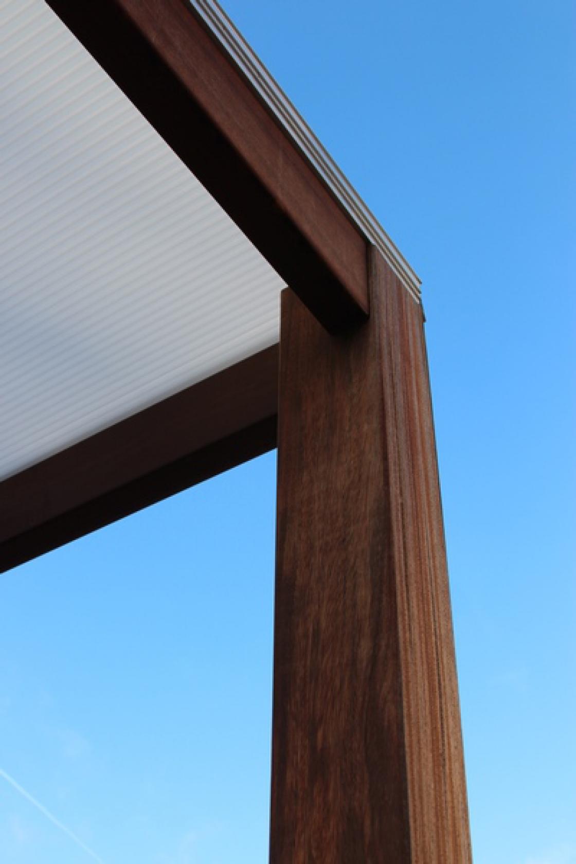 Les poteaux en bois servent à différentes applications.