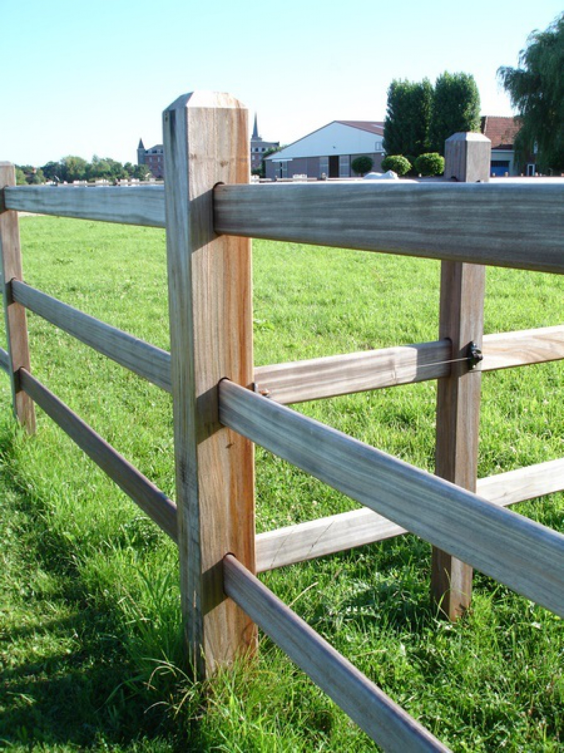 If you choose wooden fencing, you are not only getting a sustainable option, but also one with an authentic look.