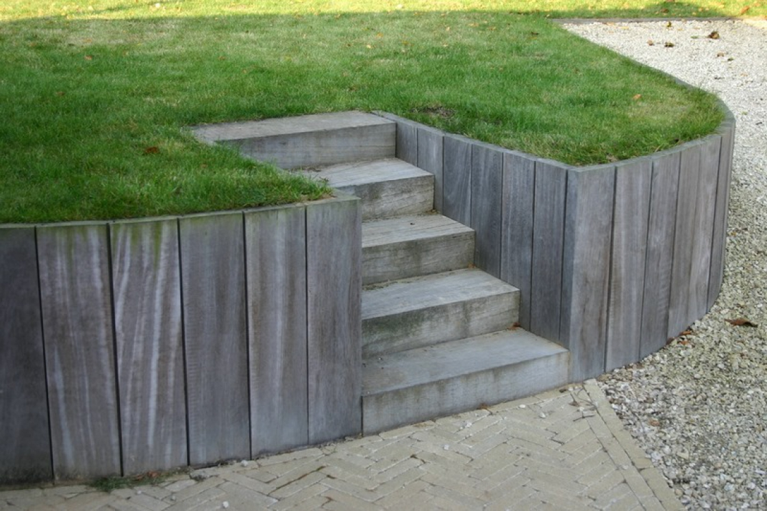 In terms of strength, wooden retaining walls easily rival the other options available in the market.